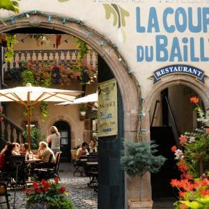 Hotel Pictures: La Cour du Bailli Suites & Spa, Bergheim