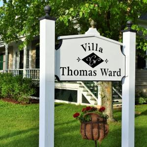Hotel Pictures: Villa Ward - Ages 18 and Over Only, Kamouraska