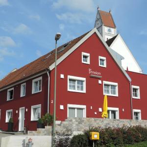 Hotelbilleder: Pension am Kirchberg, Wehringen