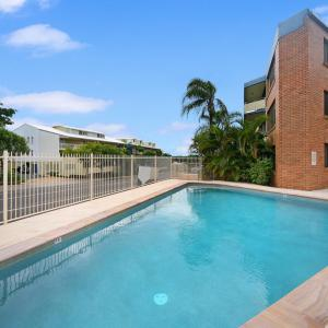 Hotel Pictures: Tindarra Apartments, Alexandra Headland