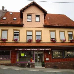 Hotel Pictures: Cafe - Pension Zum Goldenen Stern, Beerfelden