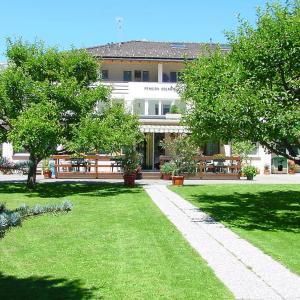 Hotel Pictures: Pensione Solaria, Poschiavo