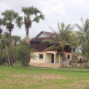 Foto Hotel: Romdul Homestay by Living Cambodia, Phumĭ Ta Rós