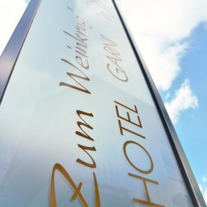 Hotel Pictures: Hotel-garni 'Zum Weinkrug', Sommerhausen