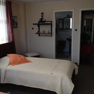 Hotel Pictures: Apartamento Monteserrin, Hacienda Mera