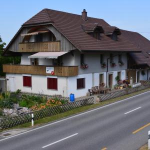 Hotel Pictures: Wellness-Kneipp-Park, Obersteckholz