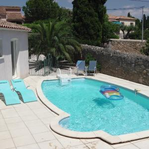 Hotel Pictures: The Blue House, Montagnac
