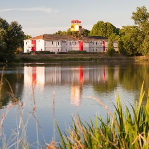 Hotel Pictures: P'tit Dej-Hôtel Bordeaux Lac, Bruges