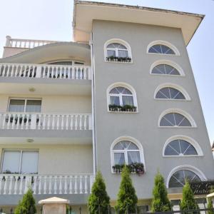 Hotel Pictures: Villa Karina, Kavarna