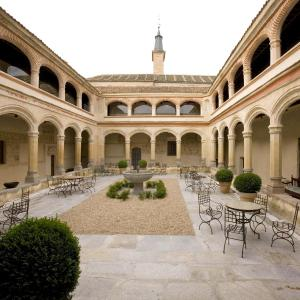 Hotel Pictures: Hotel San Antonio el Real, Segovia