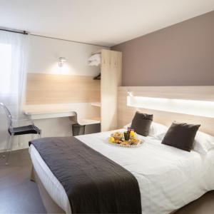 Hotel Pictures: Hotel l'Eskemm, Tregueux
