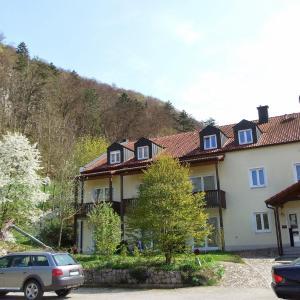 Hotelbilleder: Hotel-Gasthof zur Krone, Riedenburg