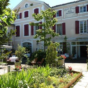 Hotel Pictures: Hôtel Le Mont Royal, Réalmont