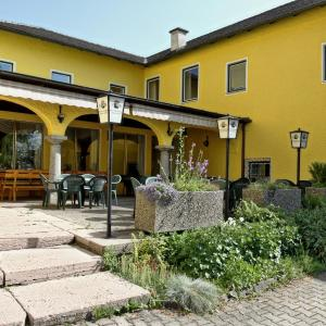 Zdjęcia hotelu: Stiftsgasthof Hochburg, Hochburg-Ach