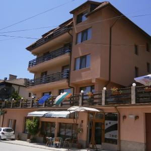Foto Hotel: Family Hotel Tonina, Devin