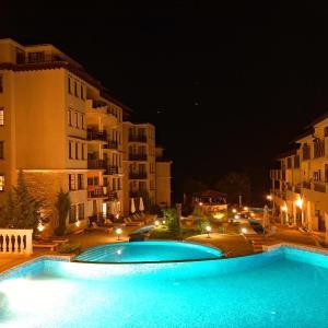 Фотографии отеля: Private Apartment in The Cliff Resort, Обзор
