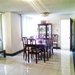 Hotel Pictures: Guest House El Bosque, Quito