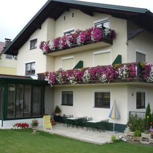Foto Hotel: Landhaus Lassnig, Moosburg