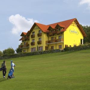 Hotel Pictures: Golfblick Hotel Garni, Stegersbach