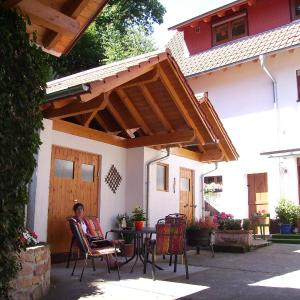 Hotel Pictures: Haus am Kastanienwald, Bad Bergzabern
