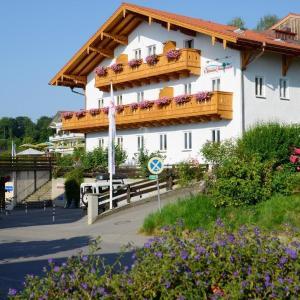 Hotelbilleder: Hotel ChiemseePanorama, Gstadt am Chiemsee