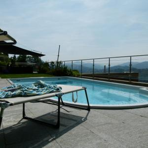 Hotel Pictures: Villa Girandola with private, heated pool, Lugano