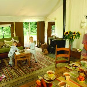 Hotel Pictures: Lantern & Larks - Exton Park, Oakham