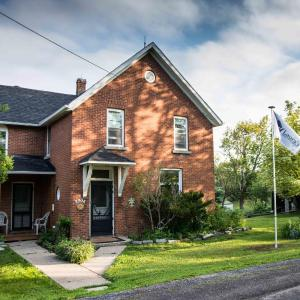 Hotel Pictures: Laura's Bed & Breakfast, Kingston