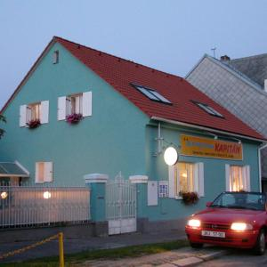 Hotel Pictures: Penzion Kapitan, Jindrichuv Hradec
