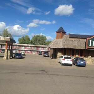 Hotel Pictures: The Pine Inn, Chetwynd