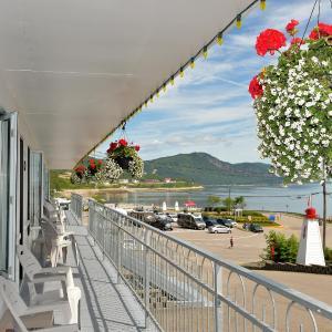 Hotel Pictures: Auberge sur Mer, Saint-Siméon