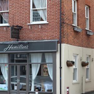Hotel Pictures: Hamilton's, Chertsey