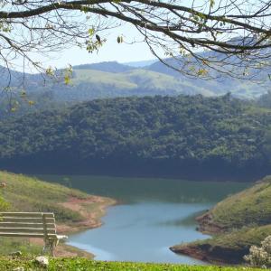 Hotel Pictures: Pousada Canto do Lago, Piracaia