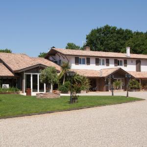 Hotel Pictures: Hôtel La Ferme d'En Chon, Biscarrosse