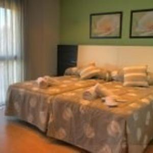 Hotel Pictures: Apartamentos Turísticos Can Rocamora, Aren