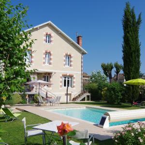 Hotel Pictures: Maison d'Hôtes La Villa Corisande, Eymet