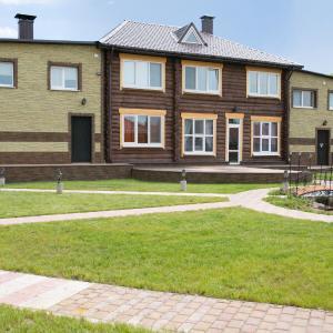 Hotel Pictures: Cottage on Zelenougurskoy, Vitebsk