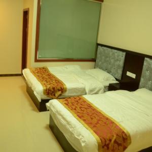 Hotel Pictures: Wangsi Hotel, Yajiang