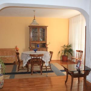 Hotel Pictures: Apartments Anita, Pomorie