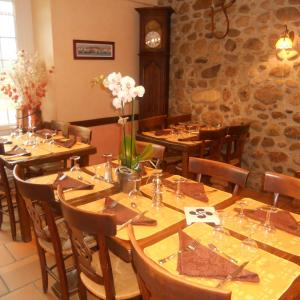 Hotel Pictures: Logis L'Auberge Basque, Ozon