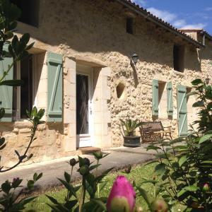 Hotel Pictures: Gite la Maison de la Pimpine Lignan de Bordeaux, Lignan-de-Bordeaux