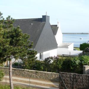 Hotel Pictures: La Maison du Phare, maison à Riantec, Riantec