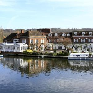 Hotel Pictures: Macdonald Compleat Angler, Marlow