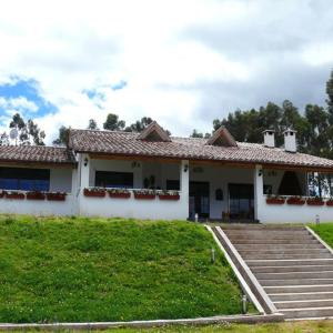 Hotel Pictures: Mountain Chalet El Capuli, Tabacundo