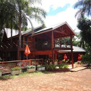 Hotel Pictures: Paraiso Lodge, Jardín América
