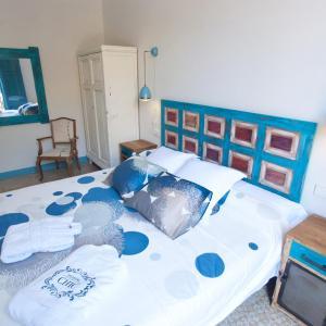 Hotel Pictures: Hostal Chic, Sant Feliu de Guixols