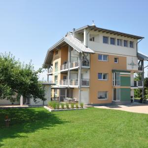 Foto Hotel: Karglhof Stammhaus, Faak am See