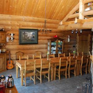 Hotel Pictures: Terra Nostra Guest Ranch, Kleena Kleene