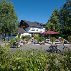 Hotel Pictures: Landidyll Hotel Restaurant Birkenhof, Klosterkumbd