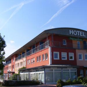 Hotel Pictures: Hotel Thannhof, Schweitenkirchen